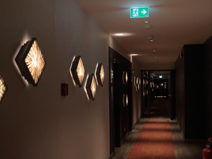 Referenz Notbeleuchtung Golf-Hotel Jakobsberg Flur