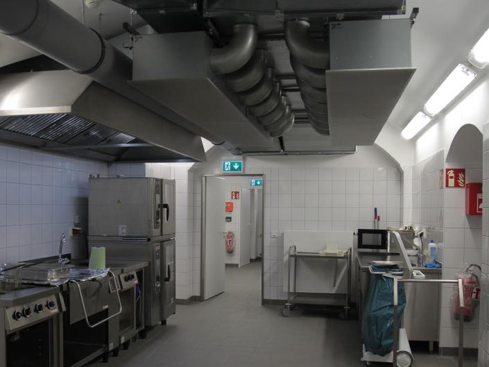 Referenz Notbeleuchtung Kunstakademie Düsseldorf Küche